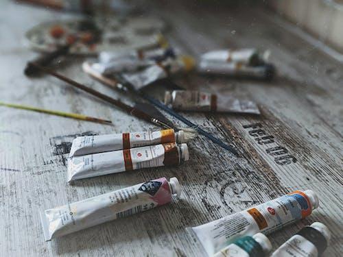 Foto En Primer Plano De Colores De Pintura