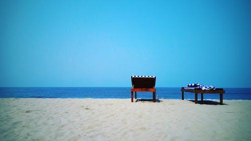 Gratis stockfoto met blauw, blauwe lucht, mobiele fotografie, strandstoel