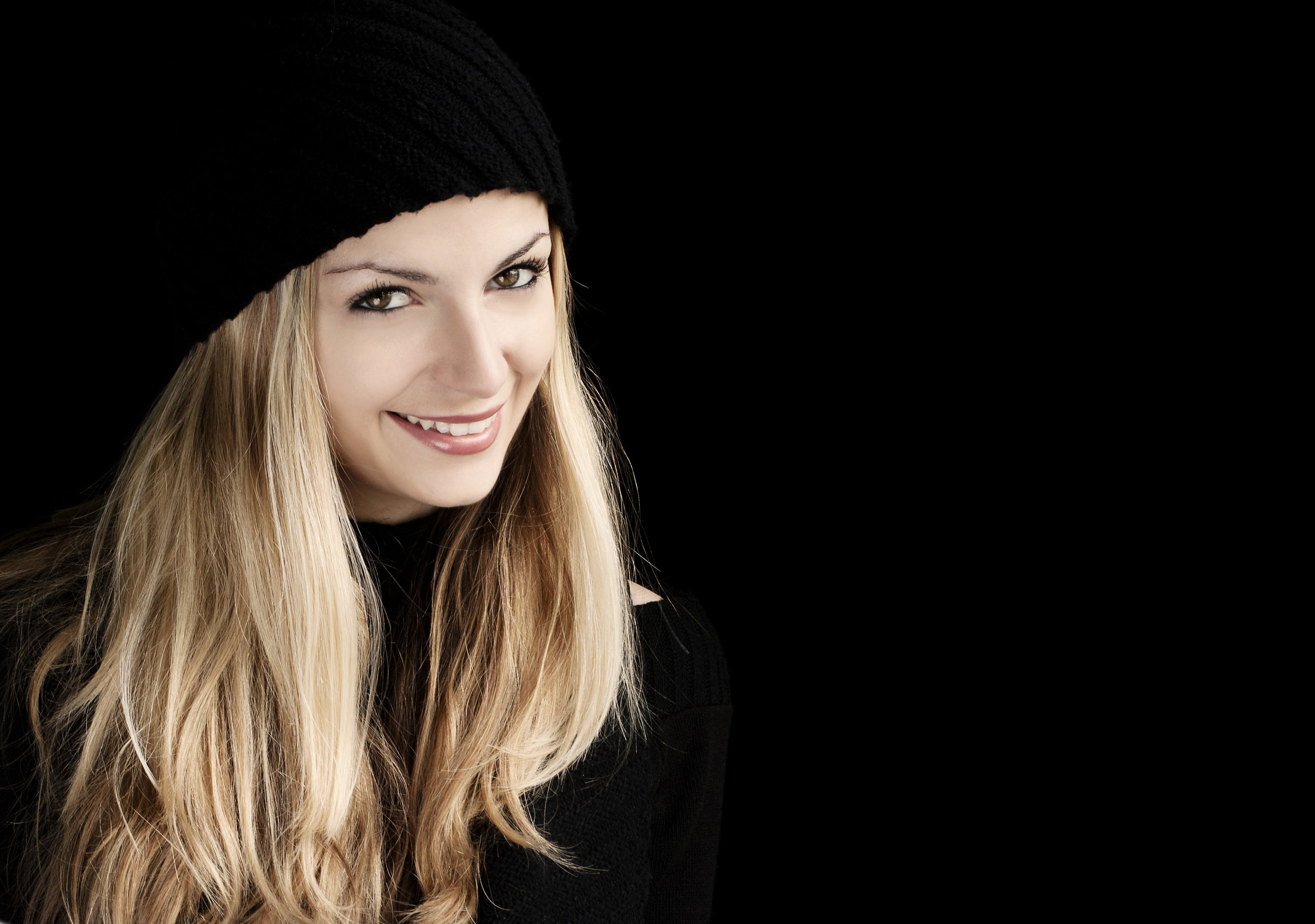Women's Black Beanie Hat