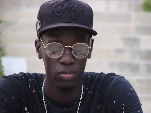 Ingyenes stockfotó afro-amerikai, afro-amerikai fiú, fekete fickó, fekete-fehér témában