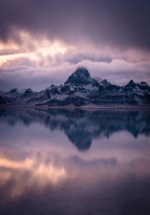 Δωρεάν στοκ φωτογραφιών με ανακλαστικός, αντανάκλαση, ατάραχος, βουνό