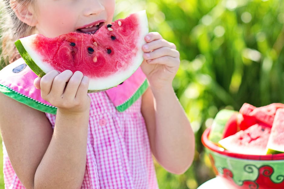 How to teach children healthy eating habits