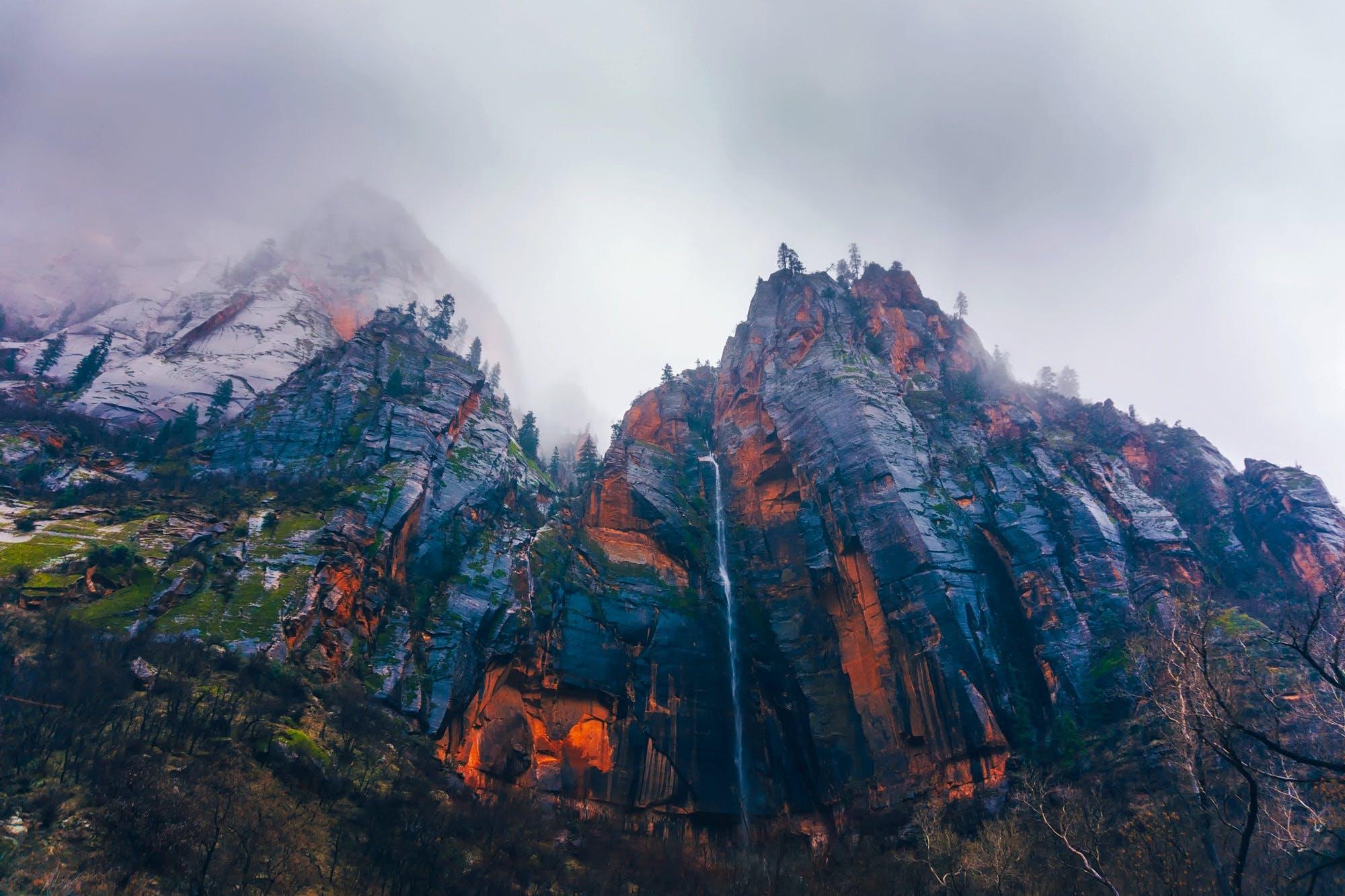 Δωρεάν στοκ φωτογραφιών με αναρριχώμαι, αυγή, βουνό, βουνοκορφή