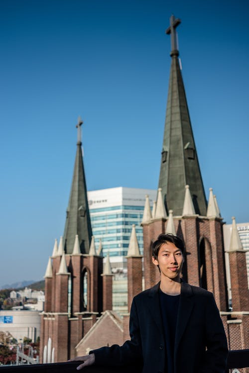 Fotobanka sbezplatnými fotkami na tému asianman, ázijský, kórejský, kostol