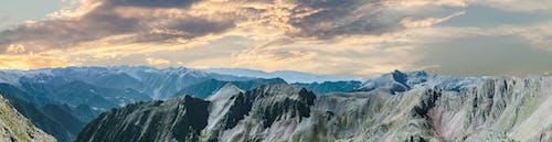 Immagine gratuita di catena montuosa, luce del giorno, maestoso, montagna