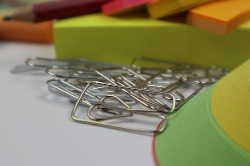 Kostnadsfri bild av bildning, gem, kontor, kontorsmaterial