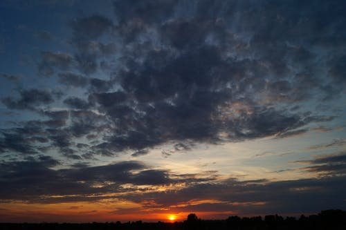 Foto d'estoc gratuïta de alba, bonic, calma, capvespre