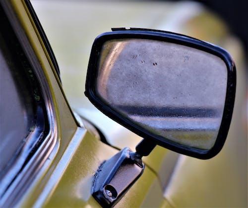 Foto d'estoc gratuïta de mirall lateral d'un cotxe