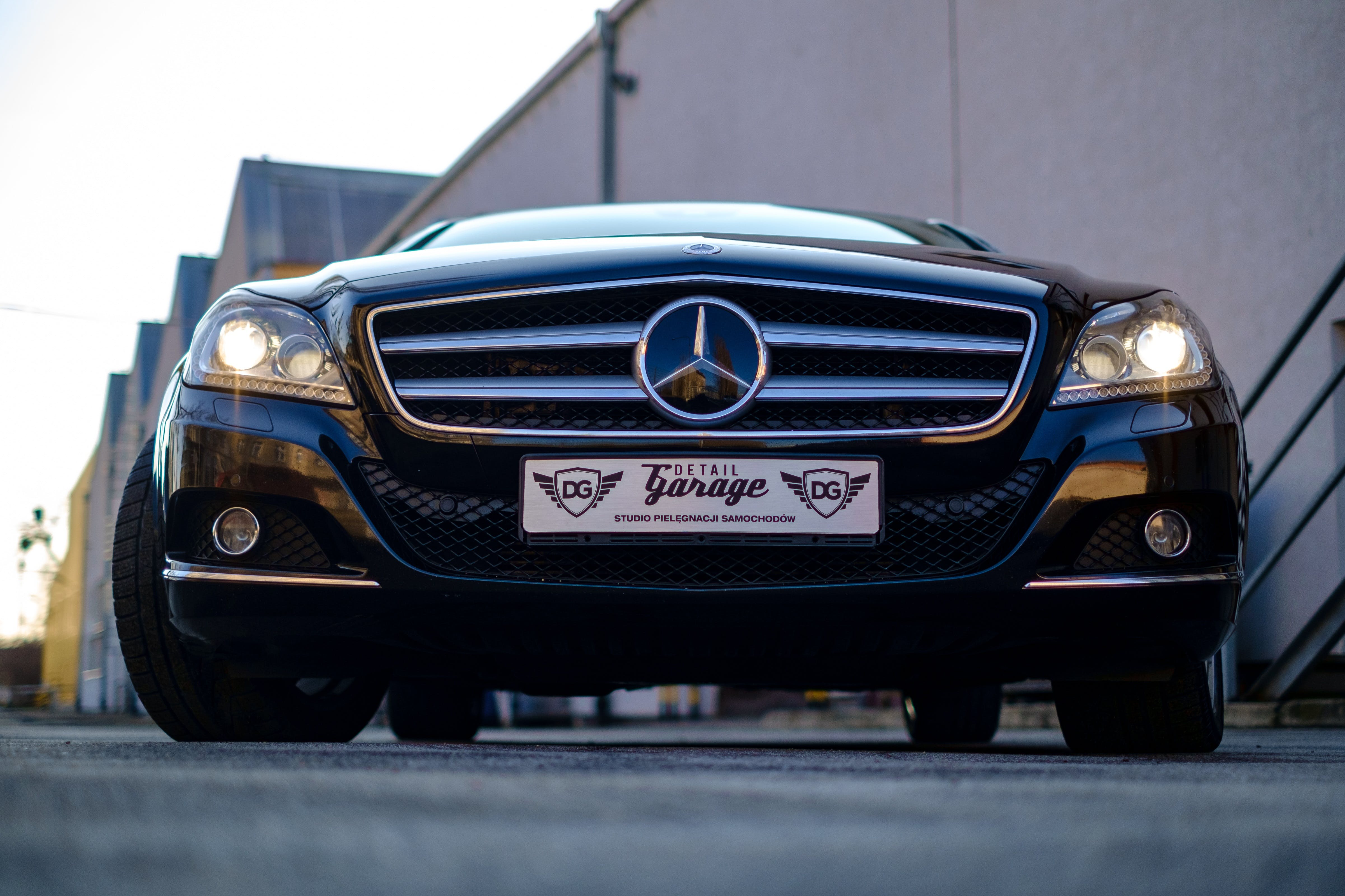 Kostenloses Stock Foto zu asphalt, auto, automobil, benz