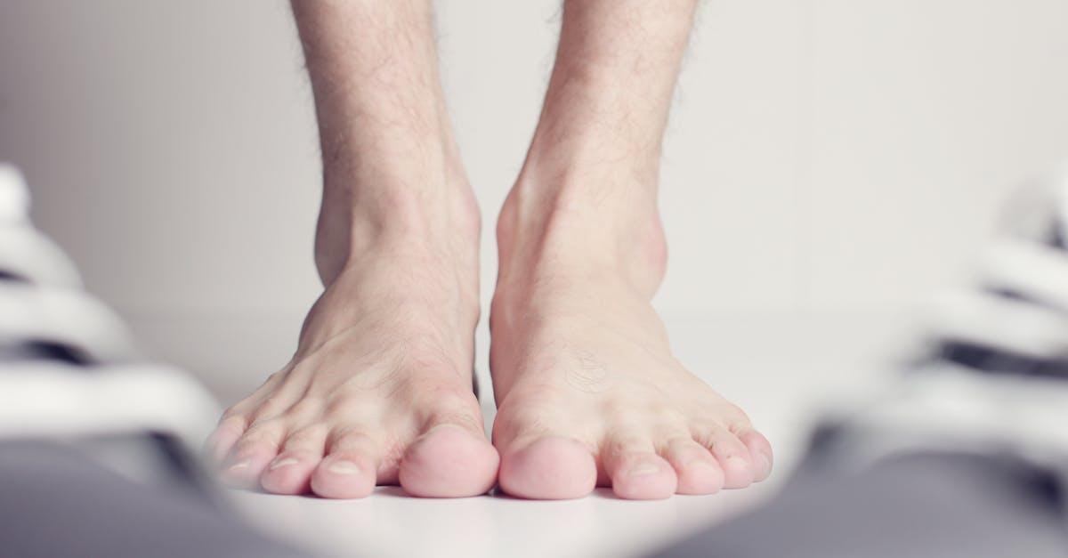 босые мужские ноги - 3