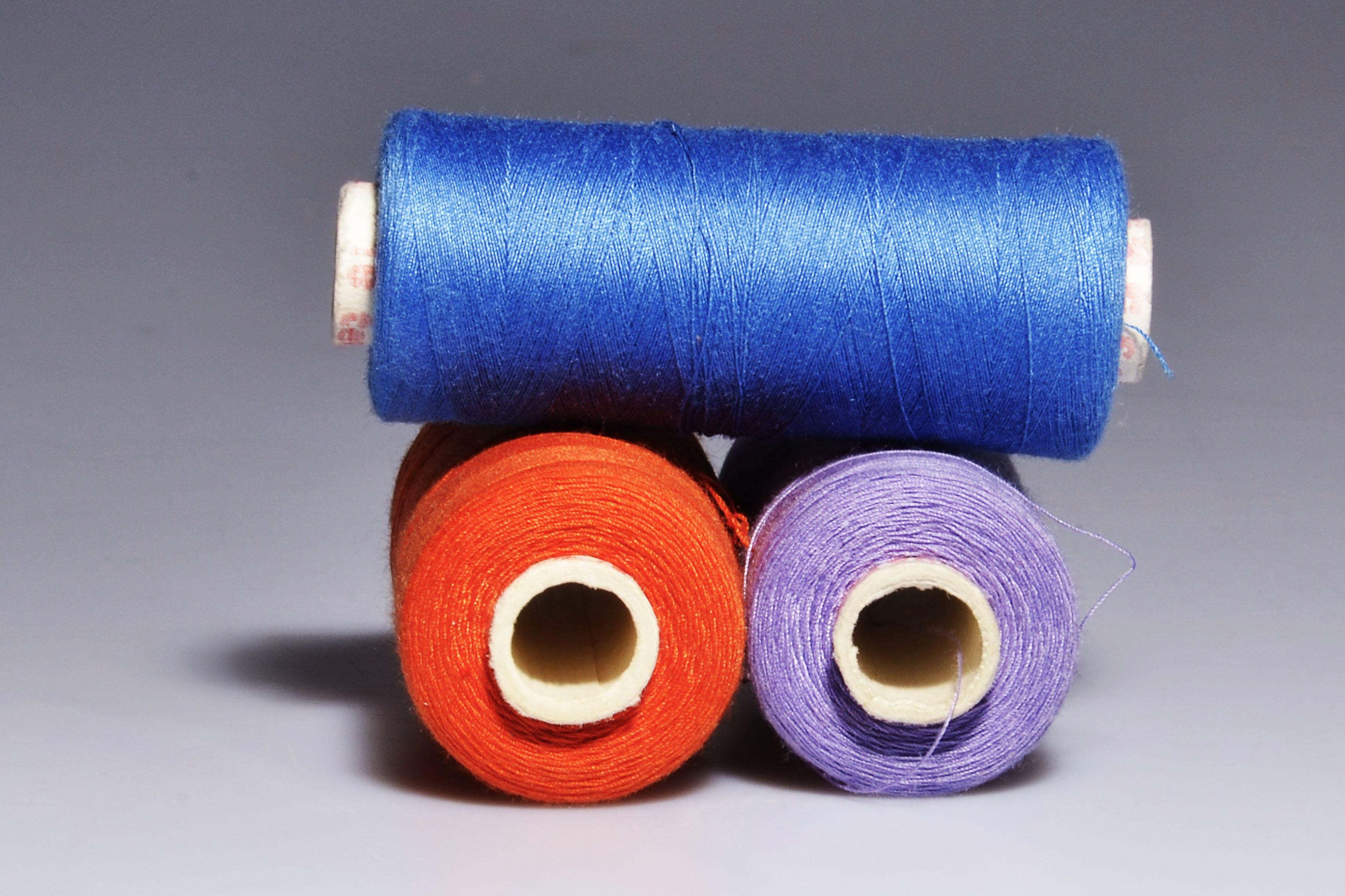 Kostenloses Stock Foto zu blau, faden, farben, licht