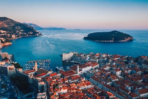 Základová fotografie zdarma na téma budovy, cestovní ruch, Chorvatsko, čluny
