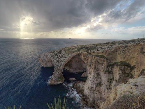 Gratis arkivbilde med blå grotte, blå himmel, blå sjø
