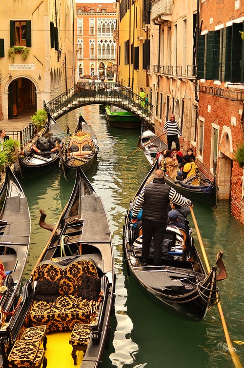 Kostnadsfri bild av arkitektur, båtar, bro, byggnader