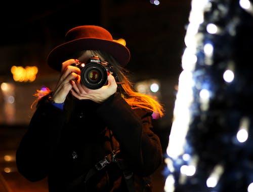 Gratis stockfoto met camera, cameralens, foto's nemen, fotograaf
