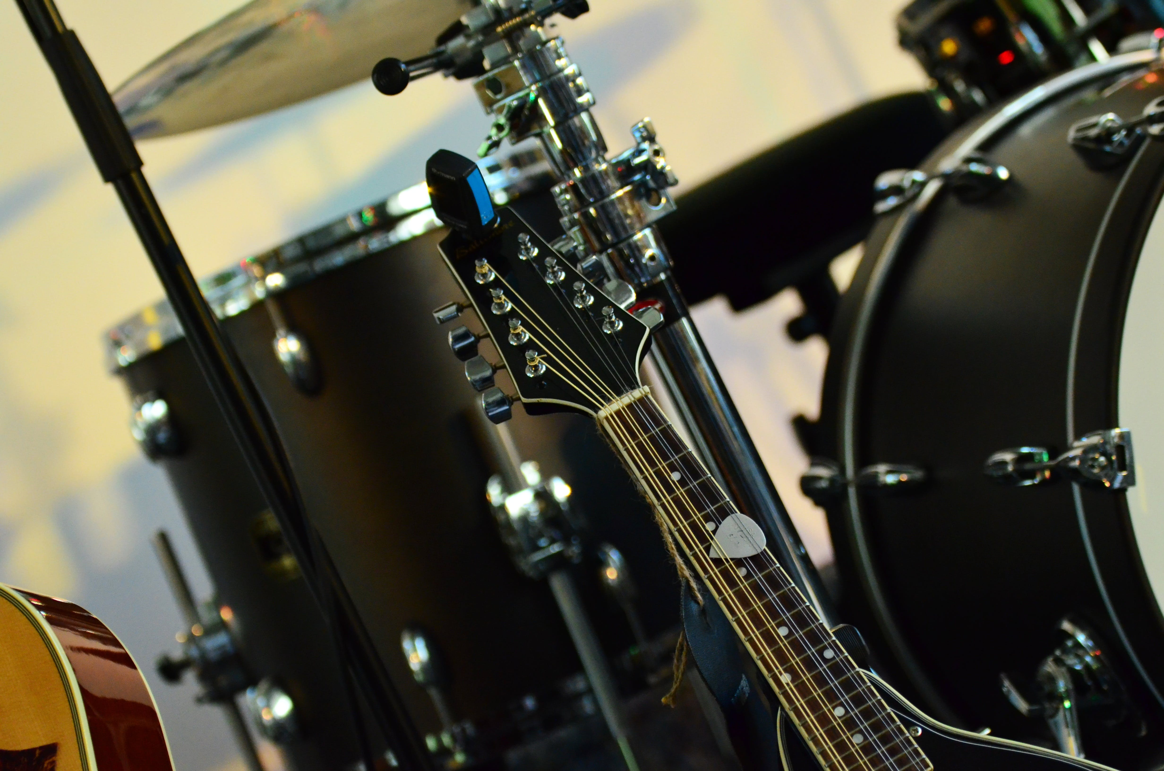 Black Guitar Stackhead