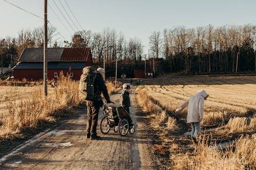 Kostnadsfri bild av ryggsäck, spår, utomhus, vandring