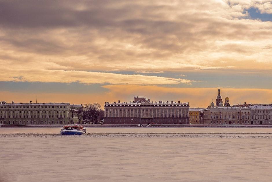 Лучшие города мира для водных прогулок