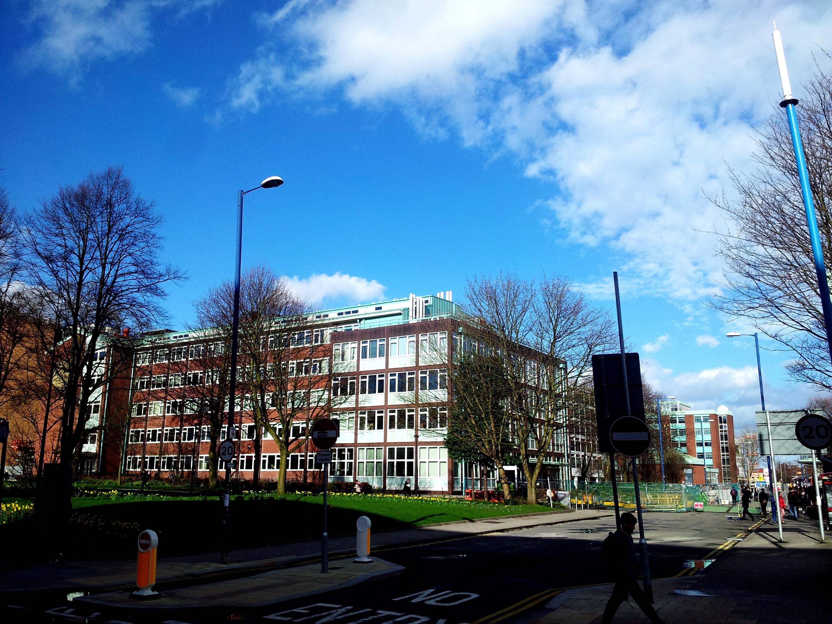 Foto einer Universität   Quelle: Pexels
