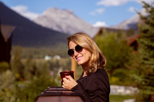 亞伯達省, 加拿大, 坎莫尔, 女人 的 免费素材照片