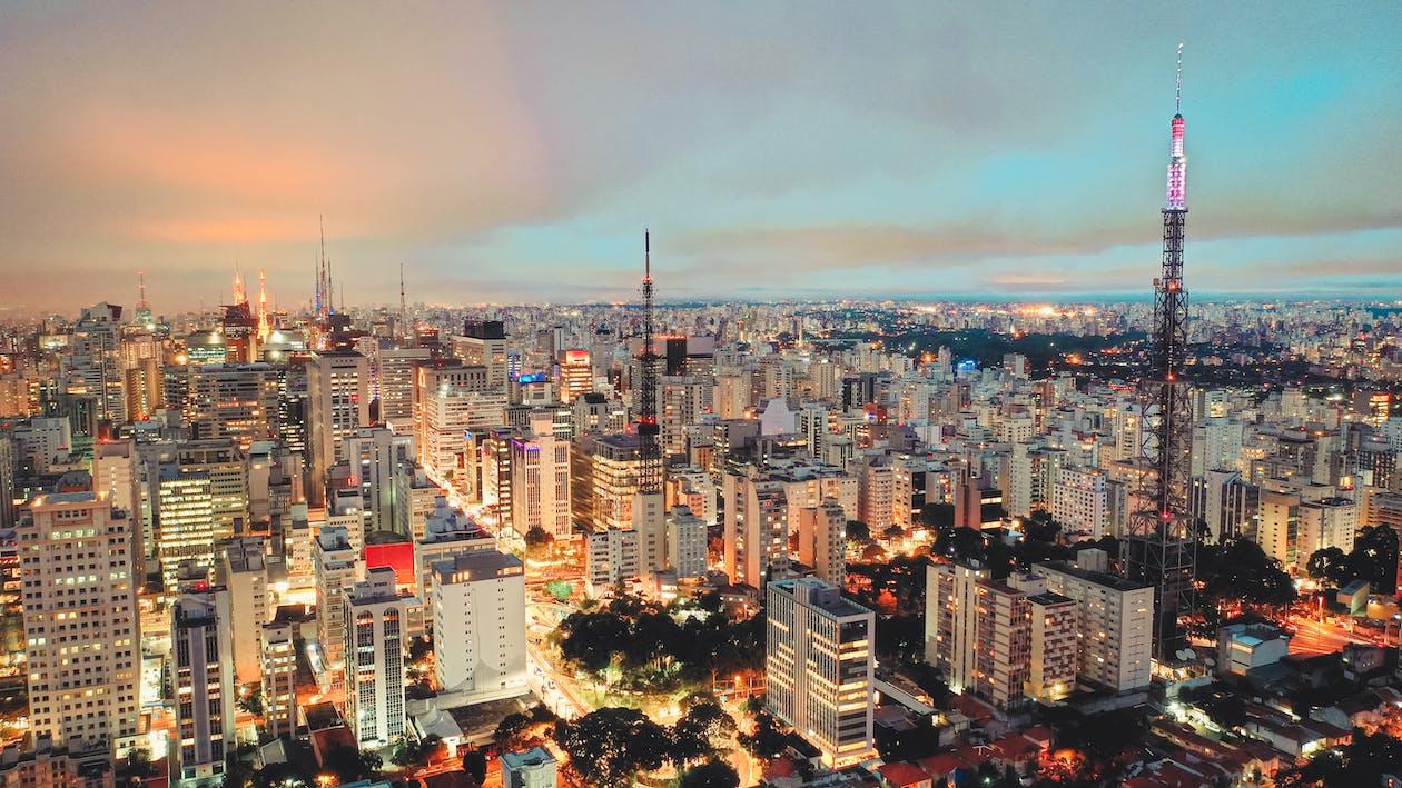 ánh đèn thành phố, bắn góc cao, bầu trời