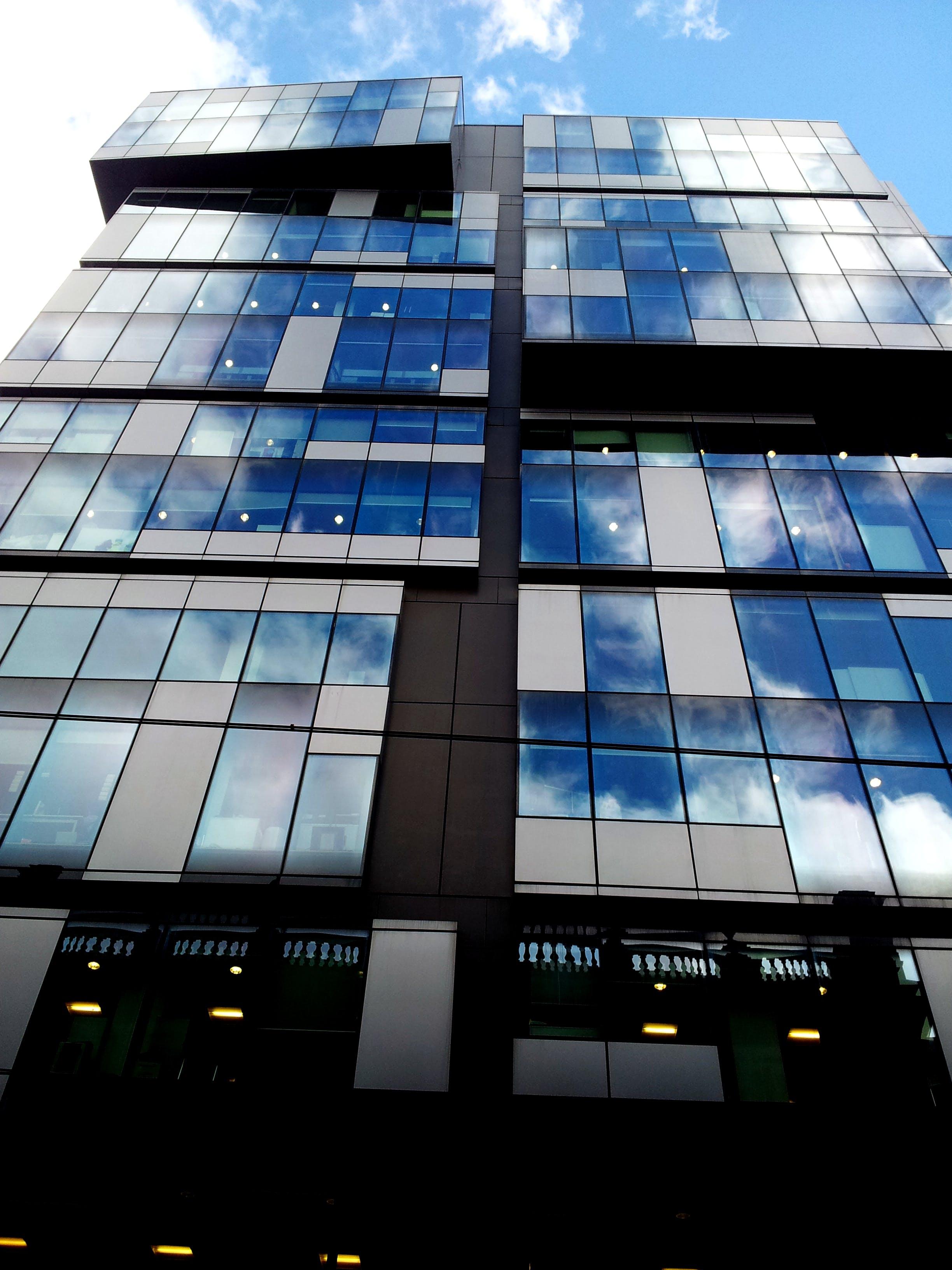 คลังภาพถ่ายฟรี ของ กระจก, การสะท้อน, การออกแบบสถาปัตยกรรม, การเงิน