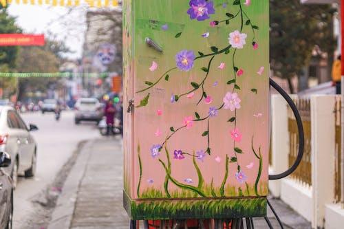 Fotobanka sbezplatnými fotkami na tému elektrická skrinka, kvet, lunárny, pouličný život
