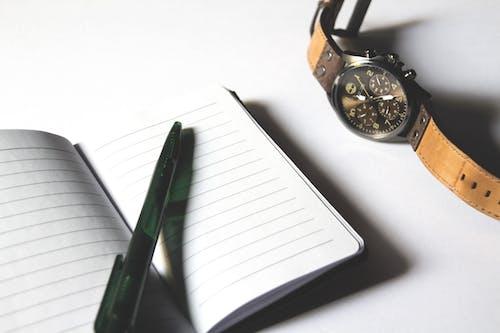 Gratis arkivbilde med arbeid, dagbok, dokument, informasjon