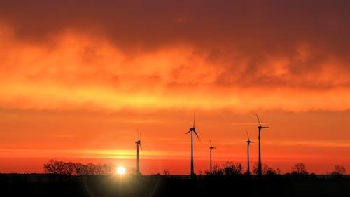 Бесплатное стоковое фото с ветер, ветровая турбина, ветряная мельница, вечер