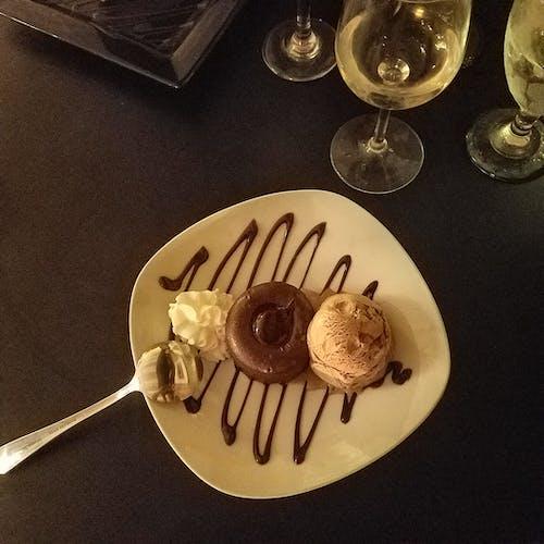 Photos gratuites de art culinaire, cake au chocolat, dessert, dessert au chocolat