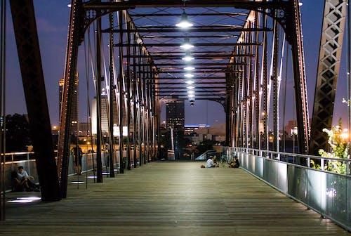 Fotobanka sbezplatnými fotkami na tému architektúra, budova, byť spolu, cesta