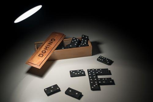 Gratis arkivbilde med boks, deksel, domino