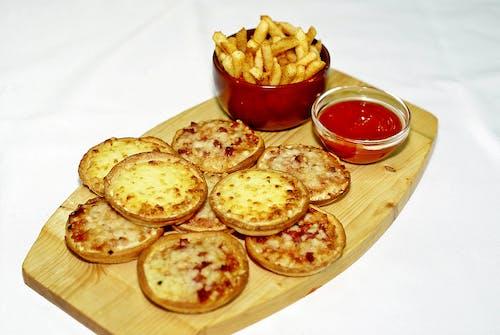 감자, 감자칩, 감자튀김, 소스의 무료 스톡 사진