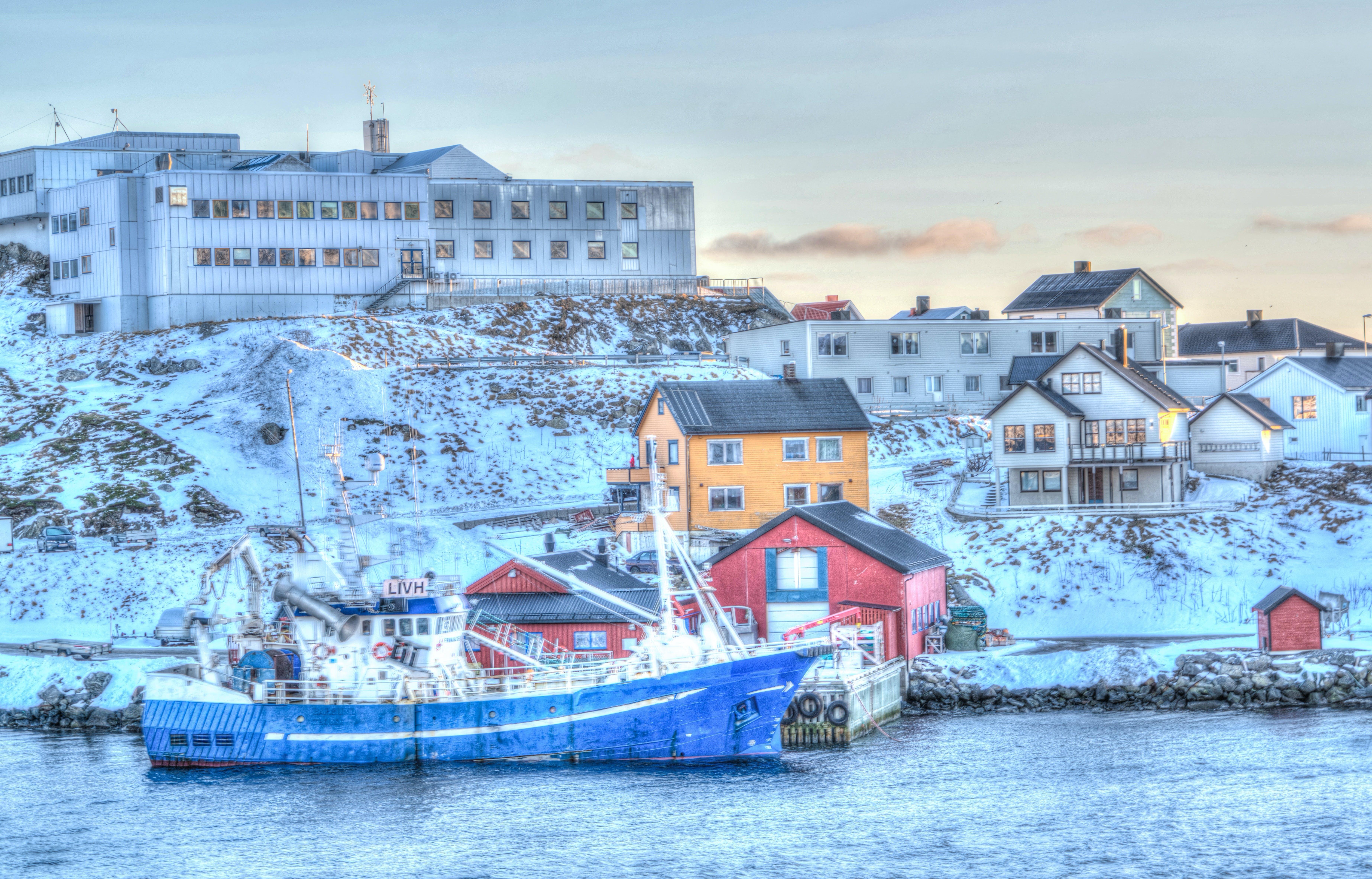 Kostnadsfri bild av arkitektur, båt, brygga, byggnader
