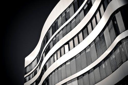 Foto d'estoc gratuïta de arquitectura, blanc i negre, contemporani, disseny