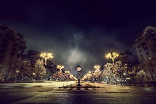 Безкоштовне стокове фото на тему «архітектура, Буря, вечір, Вулиця»