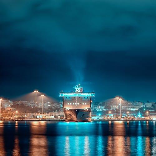 Δωρεάν στοκ φωτογραφιών με ακτοπλοϊκό σκάφος, καπνίζω, καπνός, νύχτα της πόλης