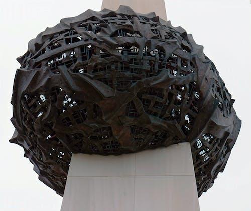 Immagine gratuita di arte, arte astratta, arte del metallo, colonna