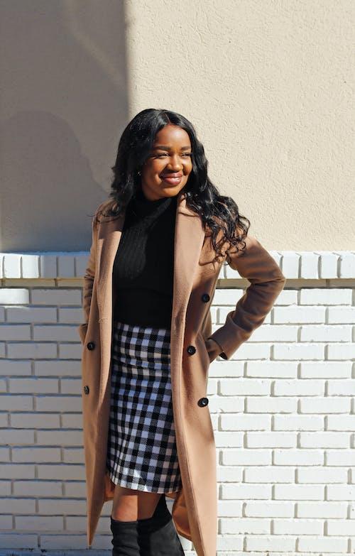Kostenloses Stock Foto zu afroamerikaner-frau, amerikanisch, attraktiv, braun