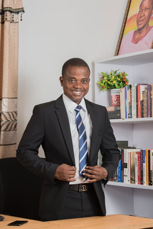 Безкоштовне стокове фото на тему «афроамериканський чоловік, бізнес, бізнесмен, бос»