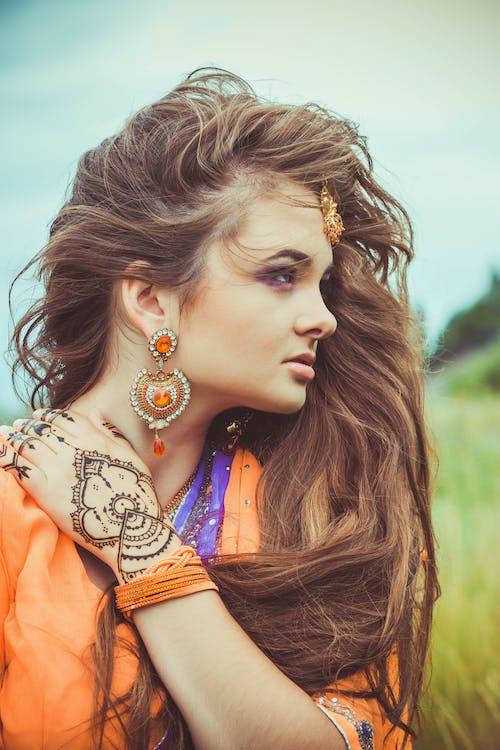 イヤリング, インドのドレス, インドの女の子, インド人の無料の写真素材