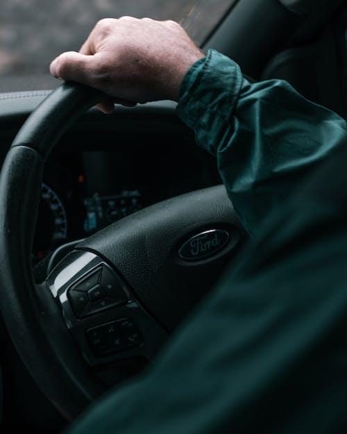 Fotos de stock gratuitas de automotor, automóvil, coche, conducción