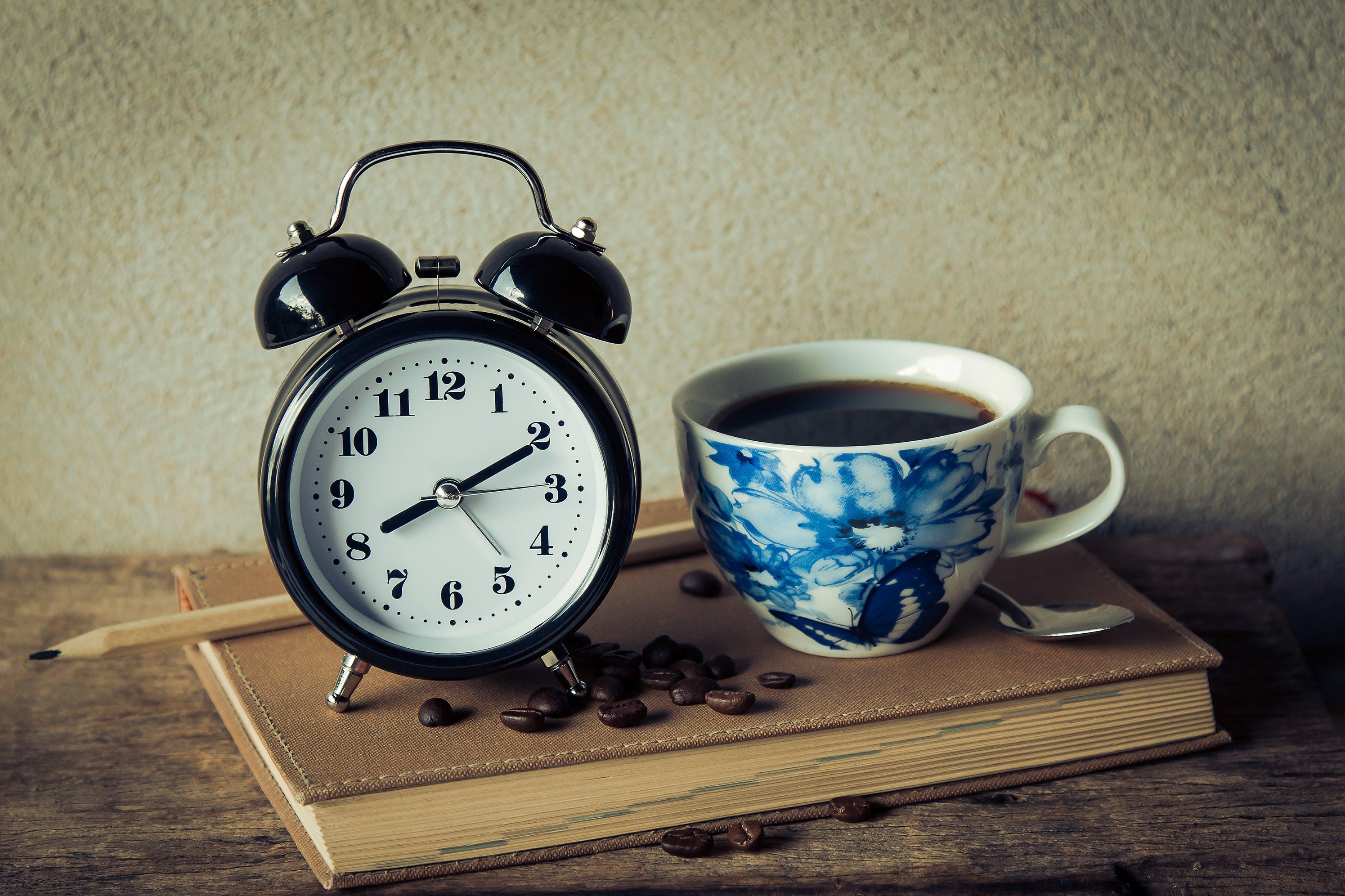 Round Black Analog Table Alarm Clock