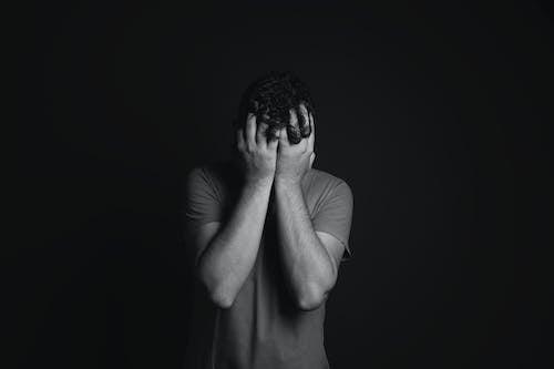 Ingyenes stockfotó arc borítva, boldogtalan, depresszió, érzelem témában