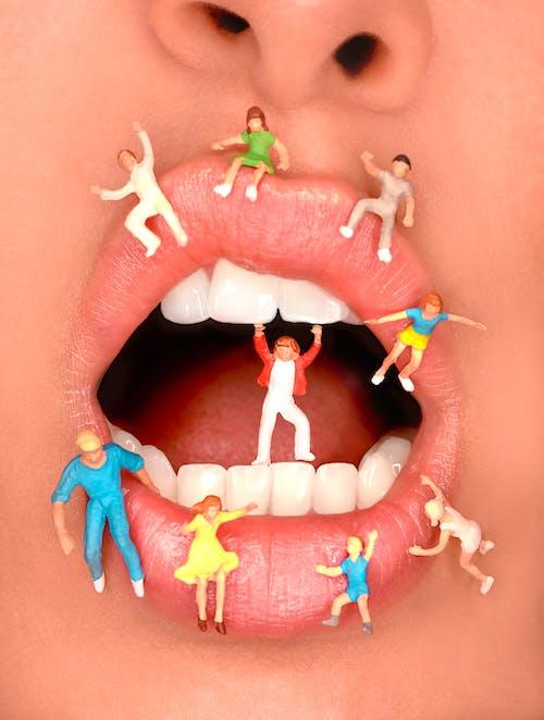 Foto stok gratis bibir, gigi, kesenian, mainan miniatur