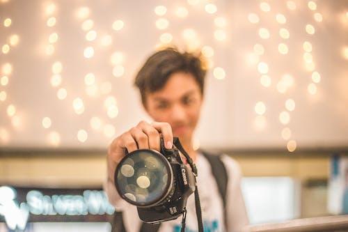 DSLR 카메라, 남자, 레저, 레크리에이션의 무료 스톡 사진