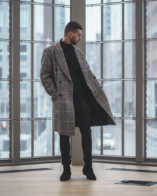 Fotobanka sbezplatnými fotkami na tému kabát, kožené topánky, mesto, muži