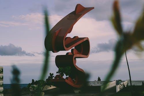 Fotos de stock gratuitas de costa, diseño arquitectónico, efecto desenfocado, estatua