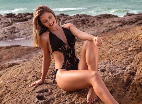 Fotos de stock gratuitas de actitud, adulto, bikini, concentrarse