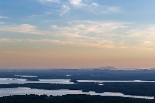 Gratis lagerfoto af flod, himmel, landskab